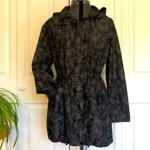 Lightweight Palm/Leaf Print Hooded Jacket